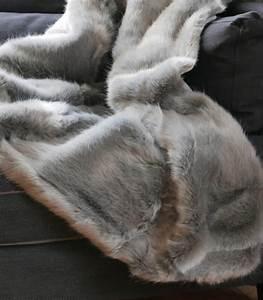 Plaid Fourrure Gris : plaid fausse fourrure luxe gris chartreux 150 x 200 cm plaid addict vente en ligne de plaids ~ Teatrodelosmanantiales.com Idées de Décoration