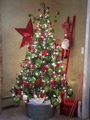 pictures of christmas trees in a wash tub if you don t a tree skirt you can always place your tree in a large galvanized tub and put