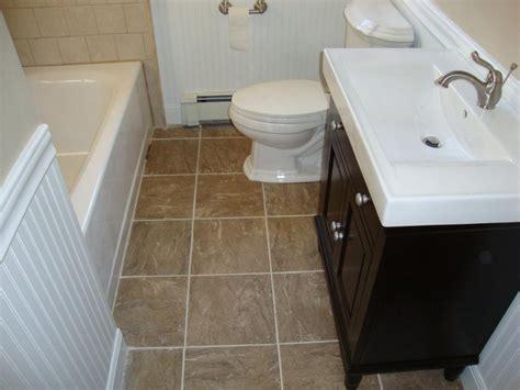 small bathroom decoration using light brown tile