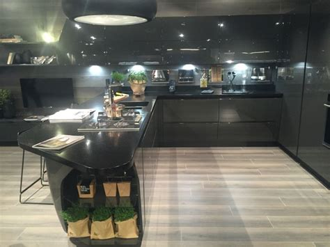 cabinet led lighting puts  spotlight   kitchen counter
