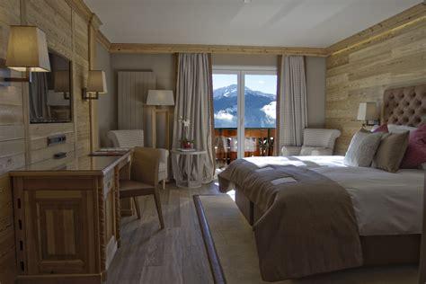 chambres hote chambres suites hotel crans montana hôtel royal dans
