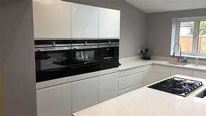 Siemens Küche Katalog : gloss white kitchen quartz worktops and siemens appliances kitchen pinterest k che ~ Frokenaadalensverden.com Haus und Dekorationen