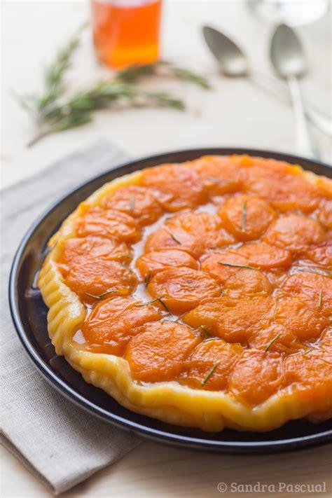 t駘駑atin recettes cuisine tarte tatin d 39 abricots au miel romarin cuisine addict