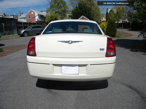 2005 Chrysler 300 Limited by 2005 Chrysler 300 Limited Sedan 4 Door 3 5l