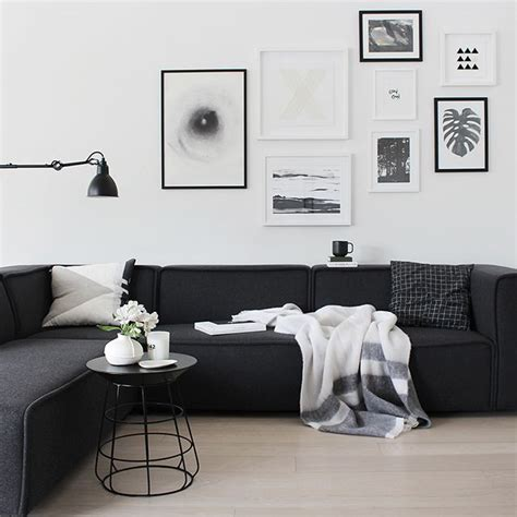 wit interieur pinterest best 20 black couch decor ideas on pinterest