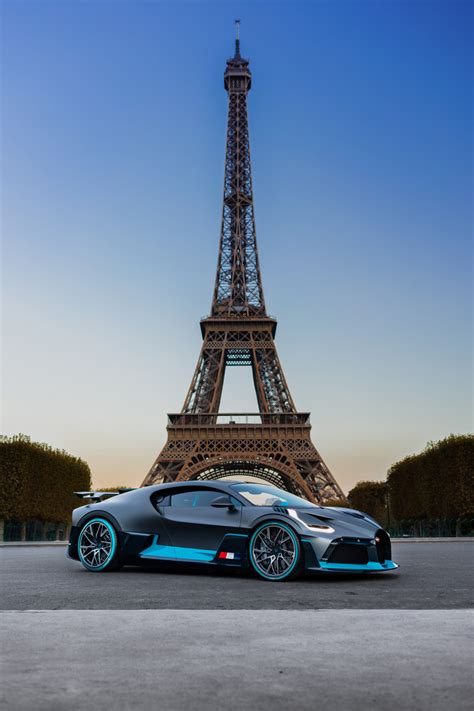 While both bugatti models look outrageous, it's not difficult to tell them apart: 2020 Bugatti Divo For Sale - 1 of 40 Worldwide - Supercars For Sale