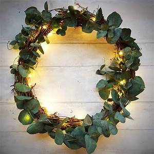 How, To, Make, A, Simple, Christmas, Wreath