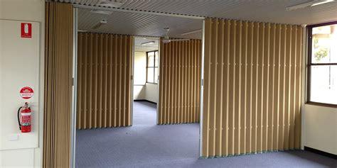 accordiondoors
