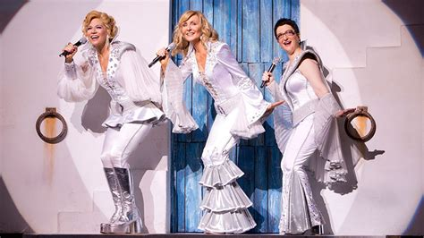Countdown the Six Best Guilty Pleasure Moments in Mamma Mia! | The Daily Scoop