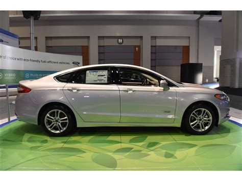 2016 Ford Fusion Energi Interior   U.S. News & World Report