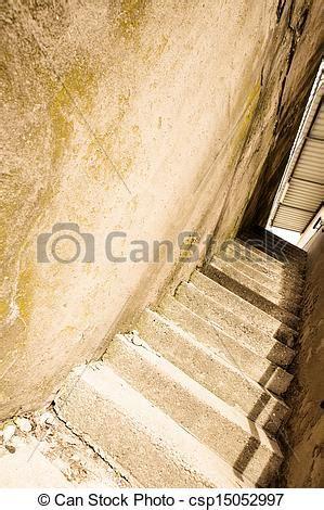 Treppe Zwischen Zwei Wänden by Stock Fotografien Beton Treppe Altes Beton Treppe
