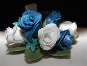 Wedding Cakes with Roses and Turquoise