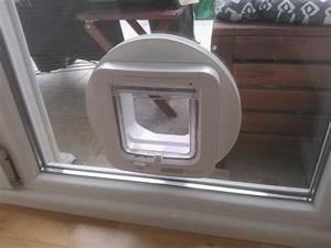 Katzenklappe Für Fenster : katzenklappe in doppelverglastes fenster einbauen in erlangen zubeh r f r haustiere kaufen und ~ Eleganceandgraceweddings.com Haus und Dekorationen