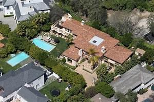 Billy Ray Cyrus Photos Photos - MIley Cyrus' Home - Zimbio