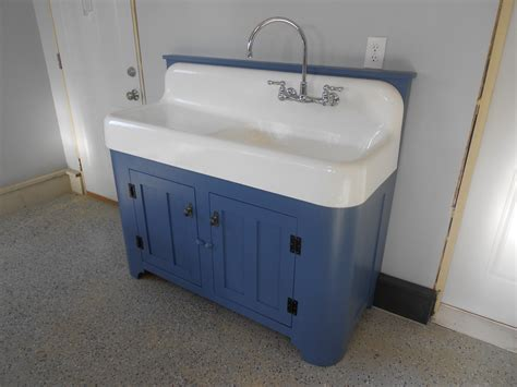Kitchen Sink With Backsplash And Drainboard :  Trendy Kitchen Design With Fresh Drainboard Sink