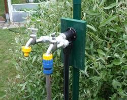 Grauwasser Nutzen Und Doppelt Sparen by 6 Tipps Zum Gartenwasserz 228 Hler Geb 252 Hren Sparen Bauen De