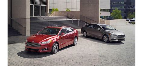 Ford Compact, Mid Size, Full Size Sedan Rental Green Bay WI