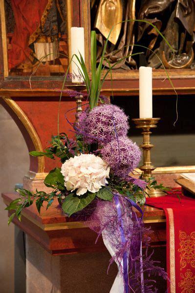 blumenschmuck hochzeit hortensien deko mit hortensien und allium blumenschmuck kirche blumendeko hochzeit