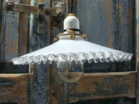 opaline cuisine suspension opaline verre plissé diamètre 25