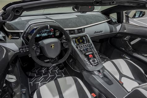 lamborghini aventador svj roadster interior 2020 lamborghini aventador svj roadster pictures gallery and quick info motor illustrated
