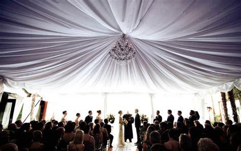tenture plafond chambre des décorations jusqu 39 au plafond pour mon mariage