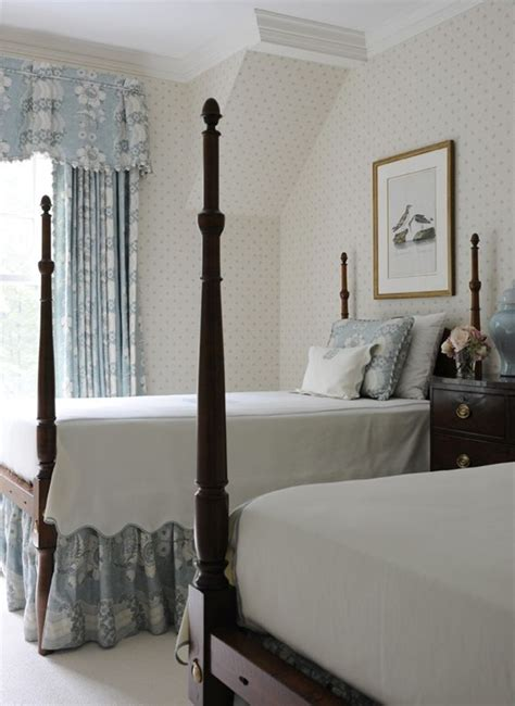 White Bedroom Suites Uk by 20 Traditional Blue And White Bedrooms The Glam Pad