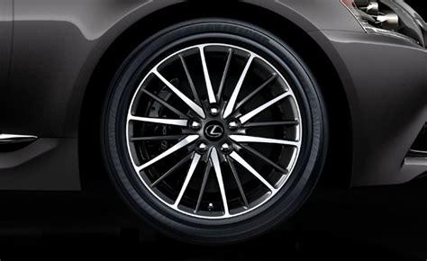 Lexus Ls Wheels Have Sounddeadening Hollow Spokes