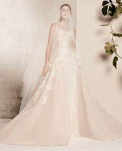 Pronovias archives houston wedding blog for Robe romantique dentelle