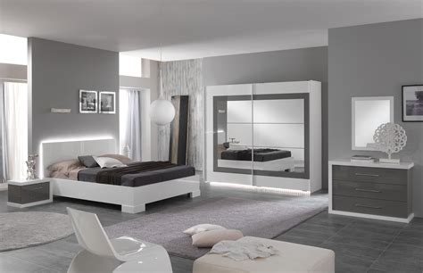 chambre grise et blanche chambre adulte design laquée blanche et grise hanove