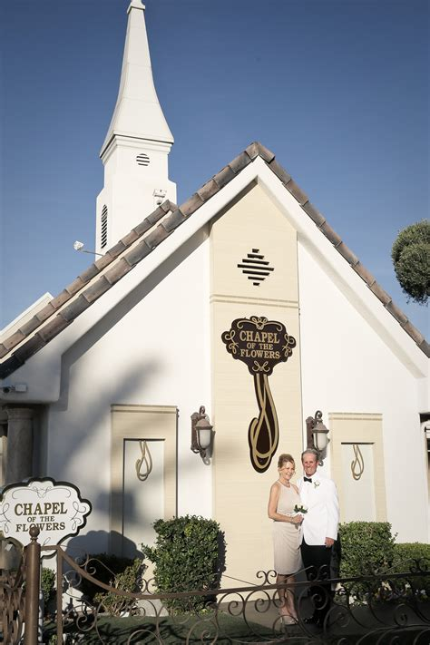 historic chapel   flowers  las vegas celebrates romance  entire month  february