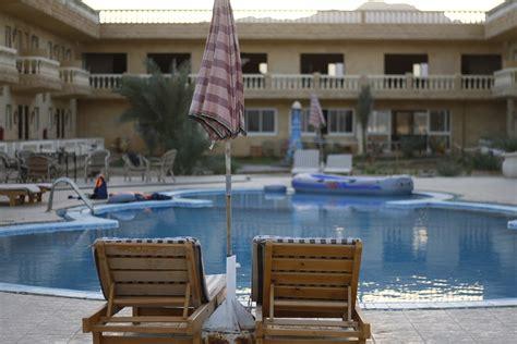 Par ko viesnīcās parasti tiek prasīta papildus samaksa ...