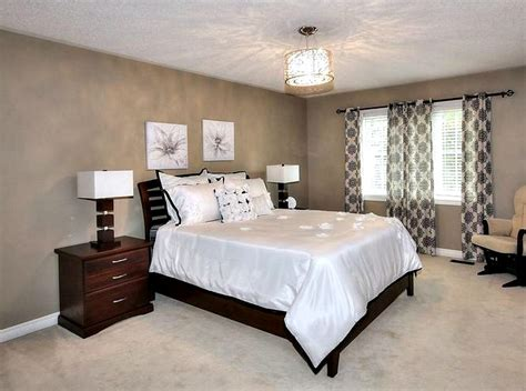 home staging bedroom  setting  stage