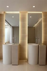 comment choisir le luminaire pour salle de bain With carrelage adhesif salle de bain avec luminaire industriel led