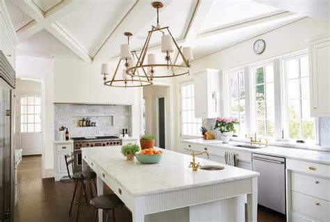 etoile  chandelier transitional kitchen