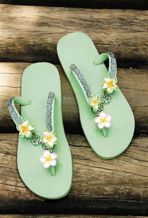 diy flip flop ideas   decorate  summer sandals