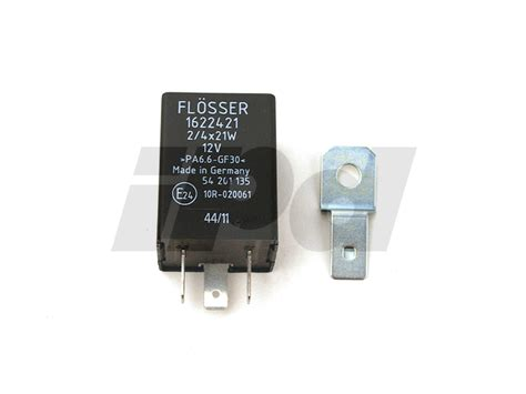 volvo turn signal flasher relay