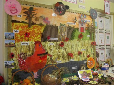 hen harvest classroom display photo photo 661   pp9d0aa19c 02