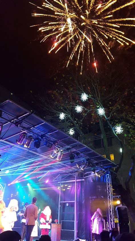 swindon town centre christmas lights 2016 swindonweb