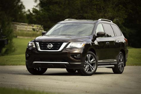 2019 Nissan Pathfinder more features bump 2019 nissan pathfinder price to 32 225