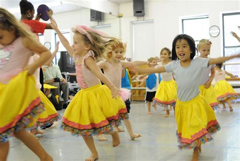 preschool west side 3 year olds poised to become che 429 | image