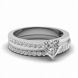 Heart shaped diamond wedding ring set in 950 platinum for Heart diamond wedding ring set