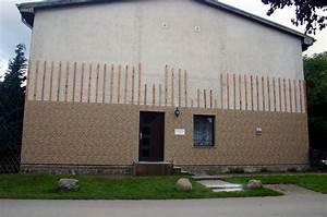 Holzfassade Streichen Preis : haussockel farbe ideen f r die farbgestaltung von fassaden alpina drau en wohnen fliesen ~ Markanthonyermac.com Haus und Dekorationen