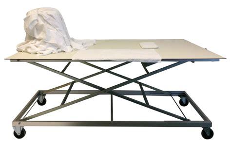 table ergonomique de tri et pliage du linge