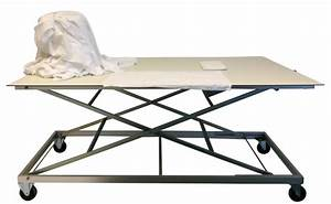 Escalier Ajustable En Hauteur : table ergonomique de tri et pliage du linge ~ Premium-room.com Idées de Décoration