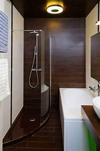 Bäder Fliesen Ideen : kleines badezimmer fliesen ideen dusche badewanne fliesen holzoptik bad badezimmer gestalten ~ Watch28wear.com Haus und Dekorationen