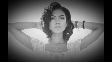 Jhene Aiko Living Room Flow Tekst by Jhene Aiko Living Room Flow Kirby Bounce Mix