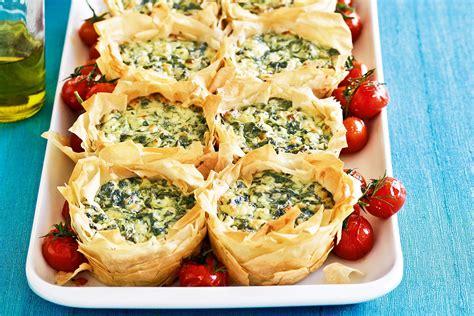 Apple and brie filo parcels, chevre, pear, prosciutto, and walnuts in filo bundles, greek baklava, etc. Filo Dough Recipes With Cheese | Besto Blog