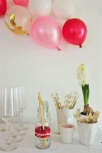 Party Deko Tipps : diy deko ideen mit tortenspitze und seidenband f r vasen flaschen und gl ser partystories blog ~ Whattoseeinmadrid.com Haus und Dekorationen