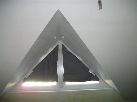 rideau fenetre triangulaire