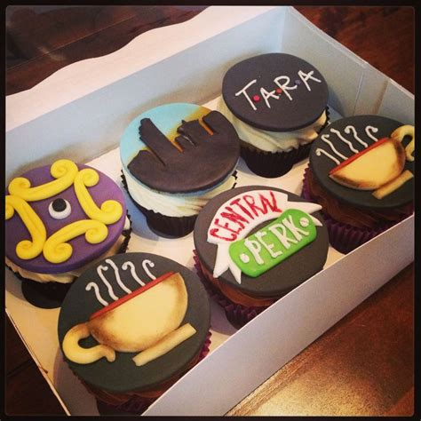 friends themed cupcakes birthday cakes pinterest